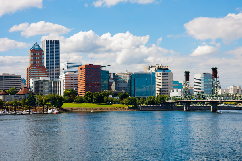 City view of Portland, OR from the water front