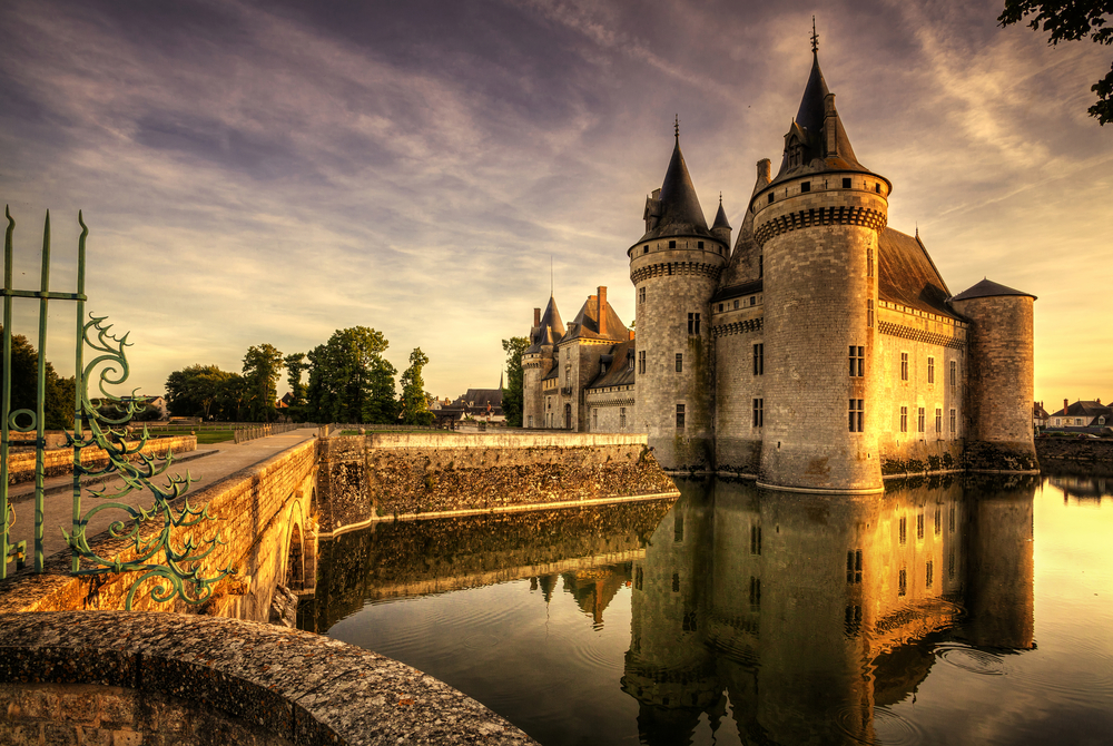 Image of the chateau of the Loire Valley in France.