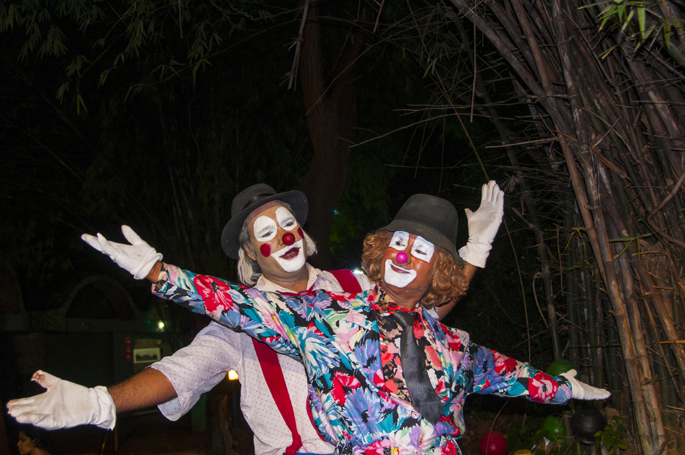clowns performing