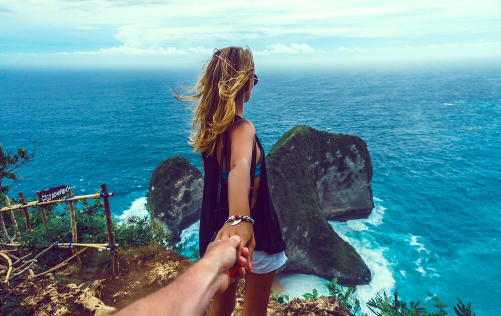 vine vera banner presents Must-have Items For Your Honeymoon